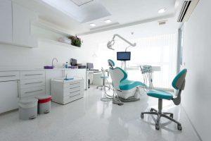 Beneficios de acudir a una clínica dental