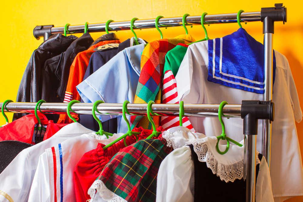 Las tiendas dedicadas a la venta de disfraces salvan el Carnaval