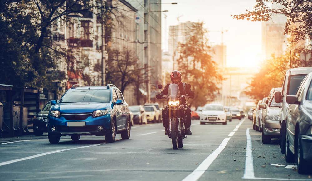 Descubre por qué comprar una moto te ayuda a ahorrar dinero